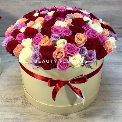101 роза  микс в коробке
